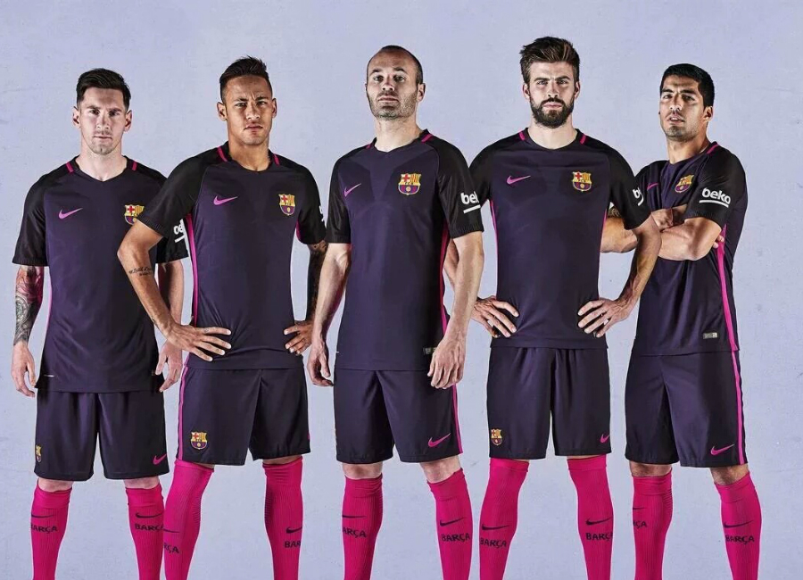 FC Barcelona 2016/17 Away Kit Photoshoot - Behind the scenes