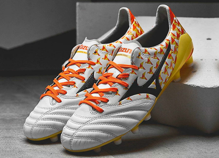 Mizuno Morelia Neo II MD - Pearl / Orange / Bolt