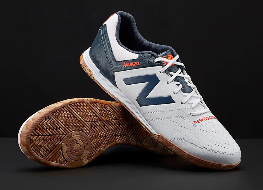 New Balance Audazo V3 Strike IN - White / Light Petrol