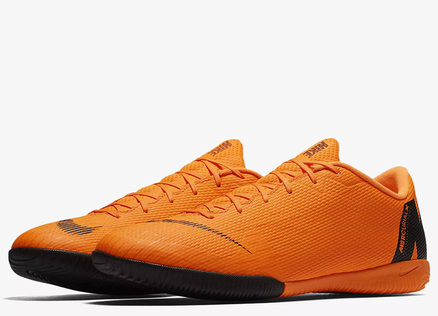 Nike MercurialX Vapor XII Academy IC - Total Orange / Total Orange / Volt / White