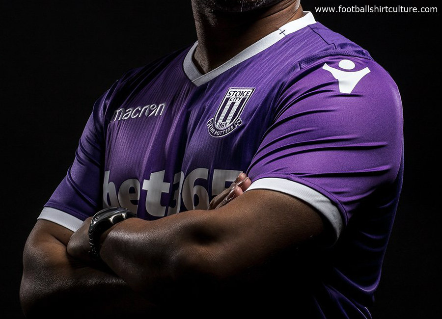 Stoke City 2018-18 Macron Away Kit