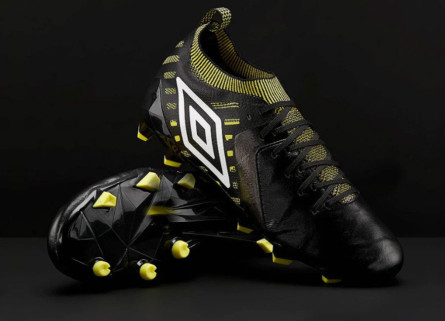 Umbro Medusae II Elite FG - Black / White / Golden Kiwi