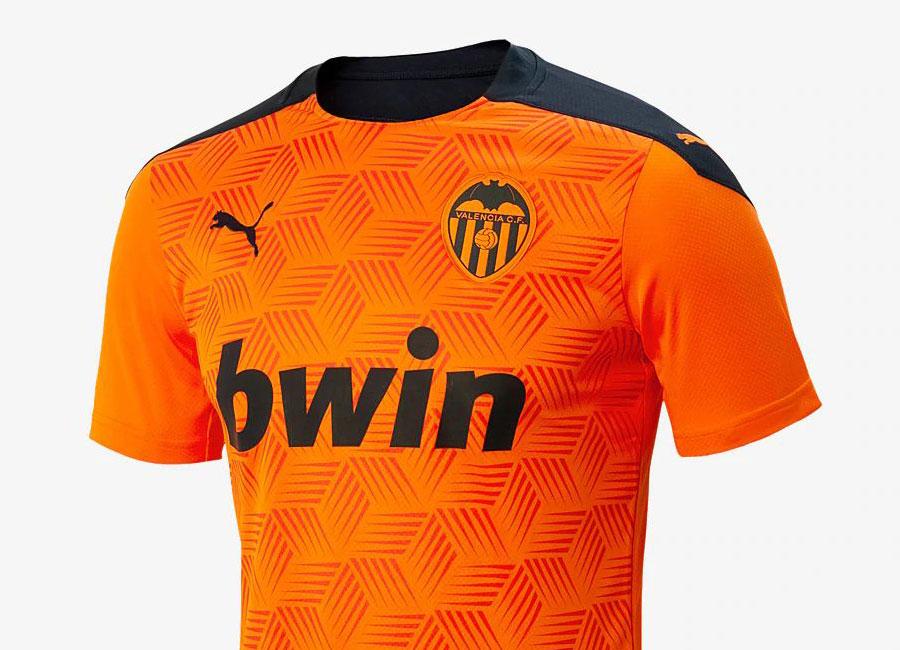 http://www.footballshirtculture.com/images/2020/valencia_2020_2021_away_kit.jpg