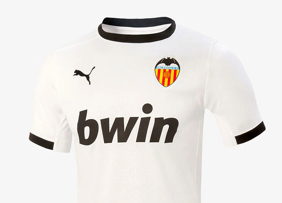 http://www.footballshirtculture.com/images/2020/valencia_2020_2021_home_kit.jpg