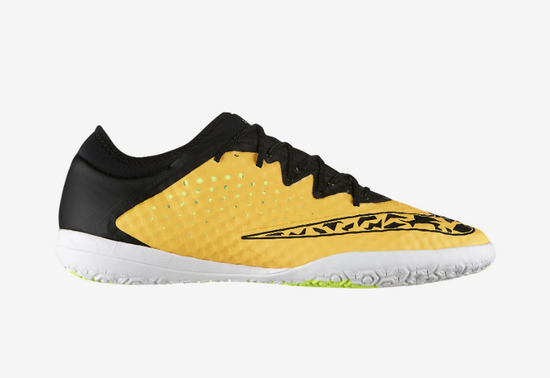66f69e22e The Nike FC247 Elastico Finale III Indoor-Competition Football Shoe  features NikeSkin Technology for natural touch and control. Crafted for the  small-sided ...
