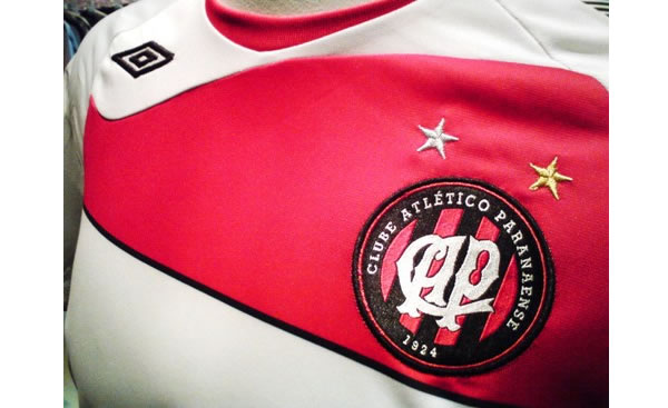 Atletico Paranaense 08/09 away shirt made by Umbro