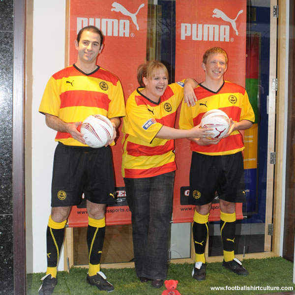 Partick Thistle unveiled their new home kit for the 2008-2009 season made by Puma