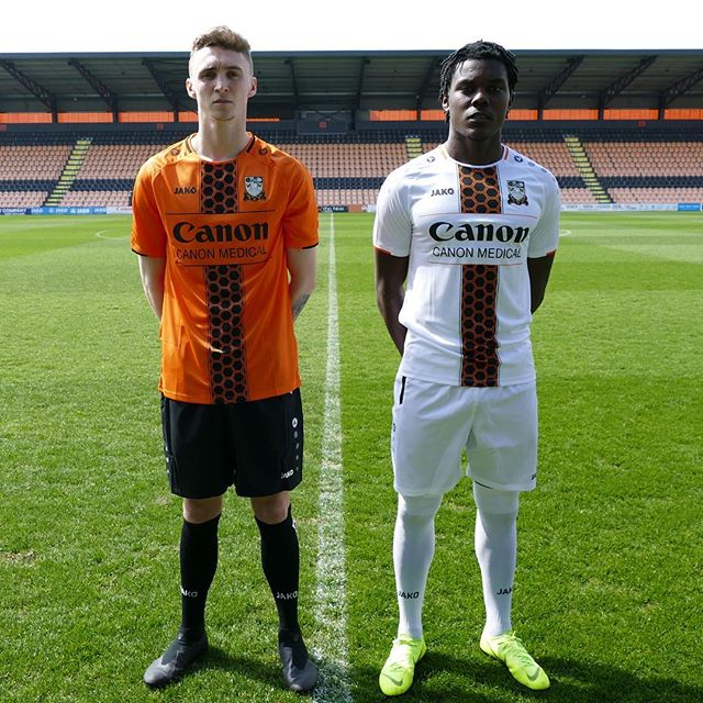barnet_fc_2019_20_jako_home_away_kits_a.jpg