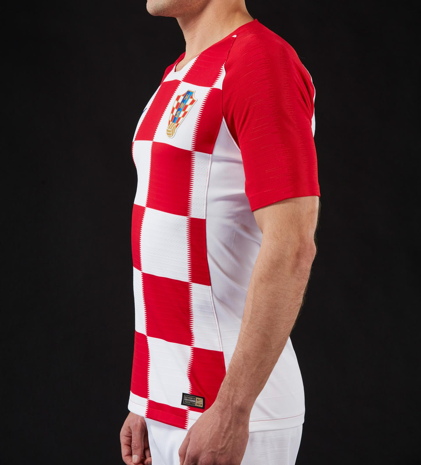 premium selection ee07c a8ec2 Croatia 2018 World Cup Nike Home Kit | 17/18 Kits | Football ...