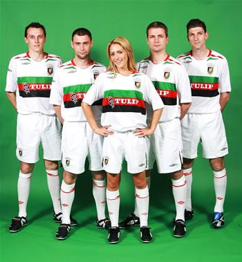 It is the 1st time in 25 years that the Club have reverted back to a white home kit.