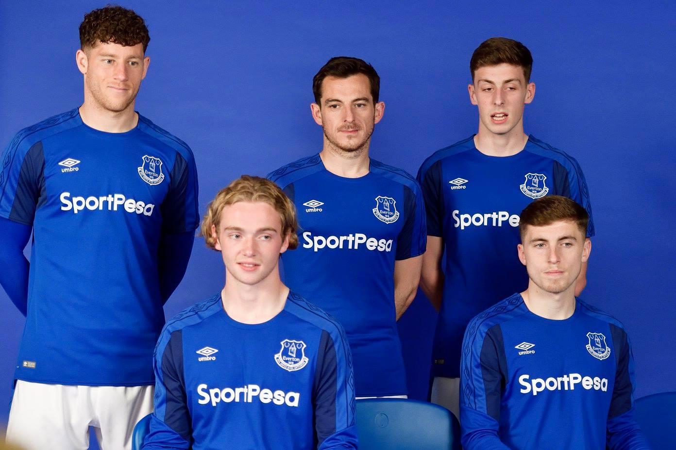 best service 1ca17 a4913 Everton 2017-18 Umbro Home Kit | 17/18 Kits | Football shirt ...