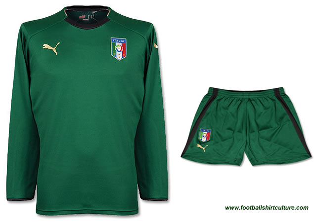 Italy away 08/09 Goalkeeper shirts by Puma