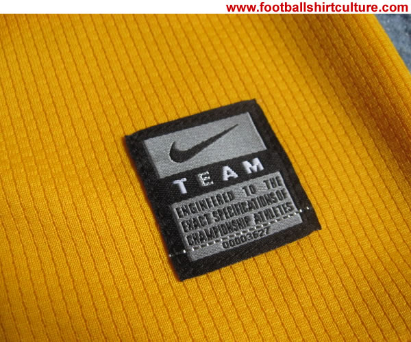 arsenal_08_09_away_nike_shirt_tag.jpg
