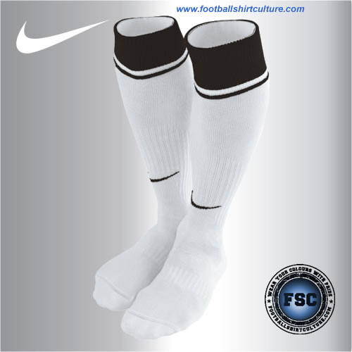 fulham_08-09_home_socks_nike.jpg