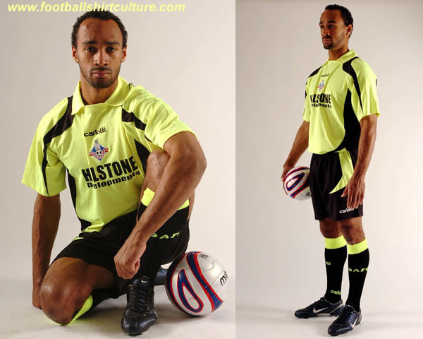 oldham_athletic_08_09_away_carlotti_kit.jpg