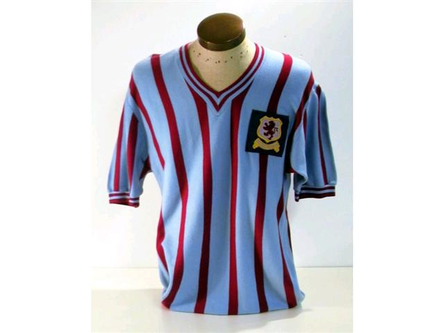 301. FA Cup Final Shirt: A claret & blue V-neck short sleeve shirt with embroidered Aston Villa crest to front, No.2 to rear. Illus. £1500-1800