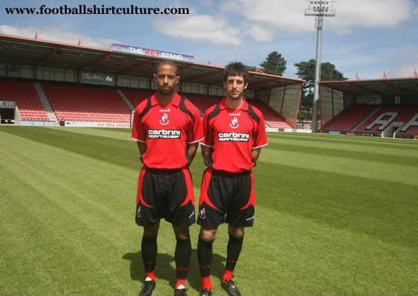 afc_bournemouth_2008_09_home_carbrini_kit.jpg