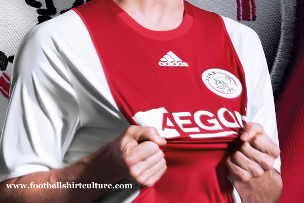 ajax_08_09_home_shirt_adidas.jpg