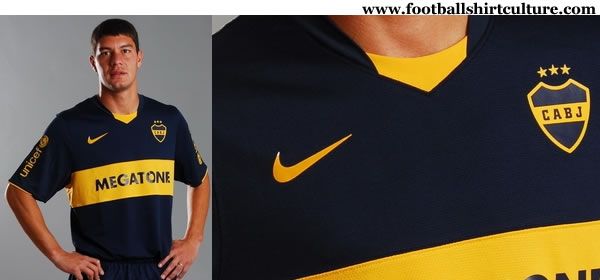 boca_juniors_08_09_nike_home_kit.jpg