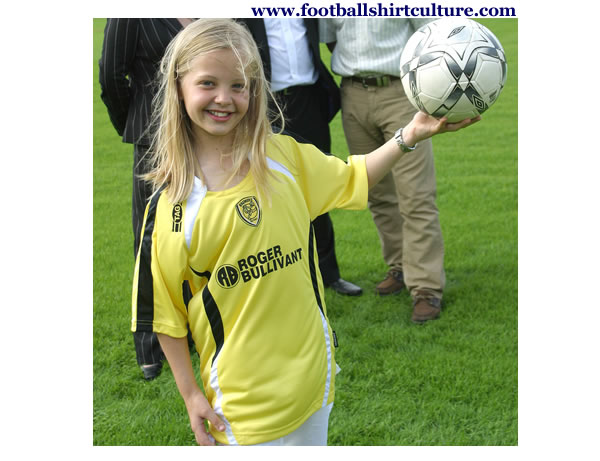 burton_albion_08-09-home-tag-football_shirt.jpg