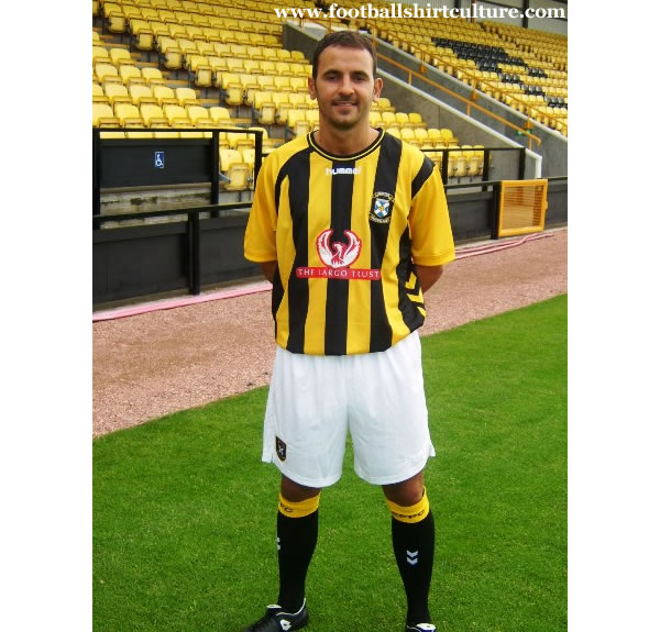 east_fife_2008_09_hummel_kit.jpg