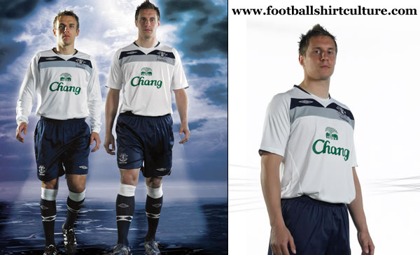 everton_08_09_away_umbro_kit.jpg