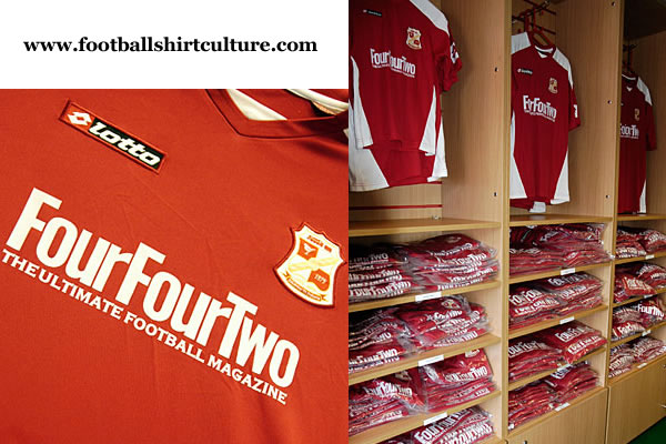 swindon_town_08_09_lotto_home_football_shirt.jpg