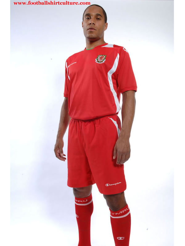 wales_champion_08_09_home_football_kit.jpg