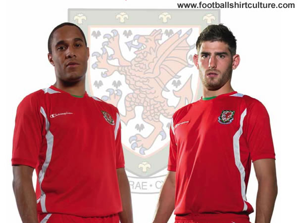 wales_champion_2008_09_home_football_kit.jpg