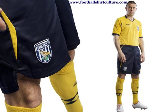 west_brom_albion_2008_2009_umbro_away_kit.jpg