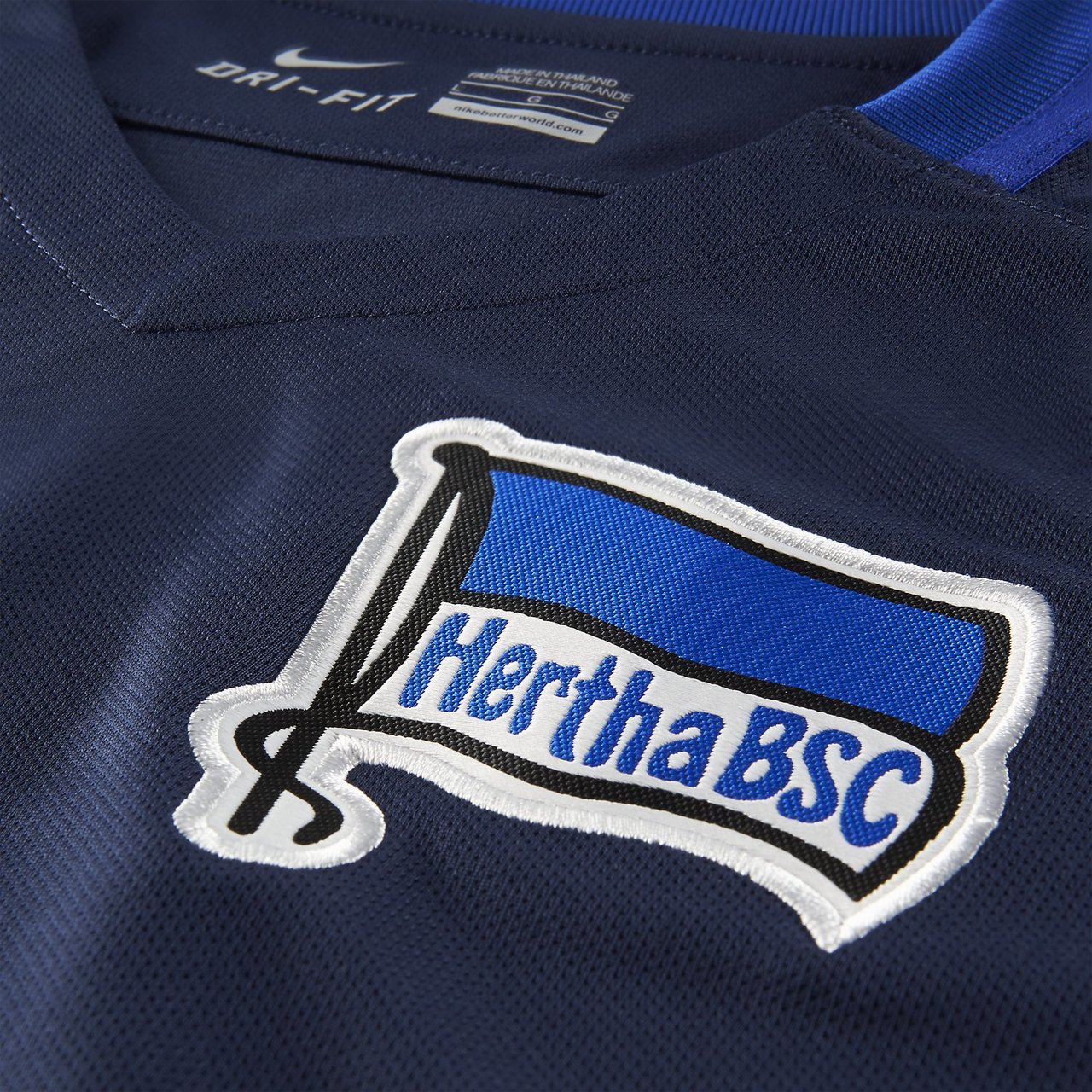 ... Click to enlarge image hertha-bsc-2015-2016-nike-away- ... c7126454d