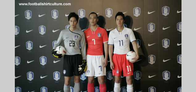 The South Korea football association officially launched their new home away and goalkeeper kits for the 08/09 season made by Nike.