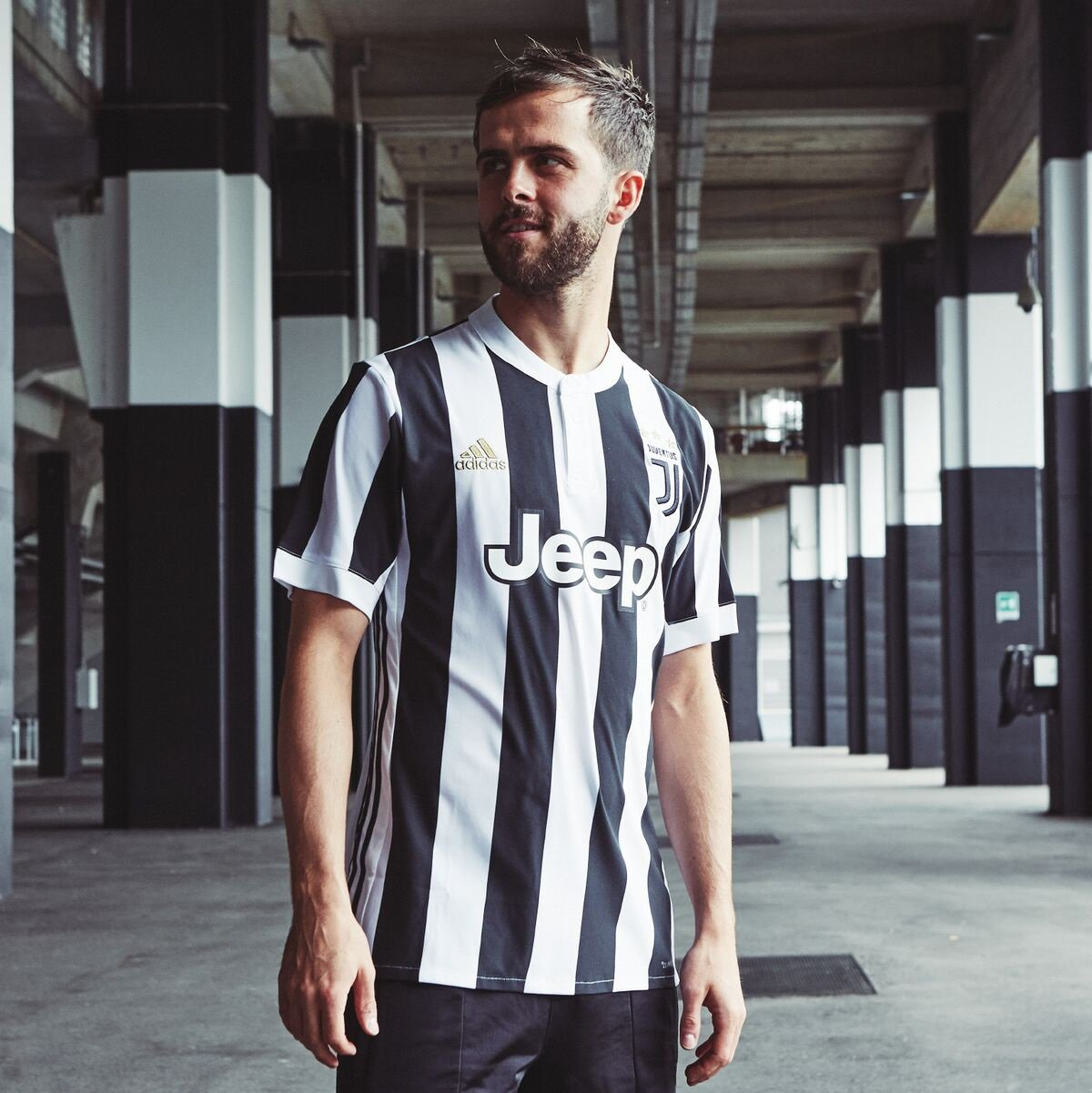 the latest 5eafe a97d2 Home Kit Juventus 2018 – Decorazione