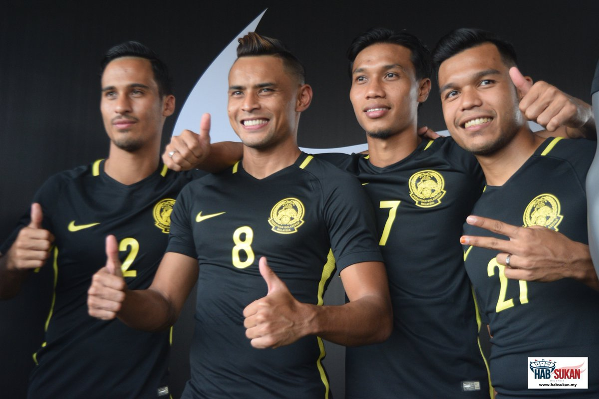 malaysian football The slick freestyle football moves of a malaysian muslim girl have boosted her into the spotlight in a country where the sport is dominated by men sporting a headscarf, qhouirunnisa' endang.