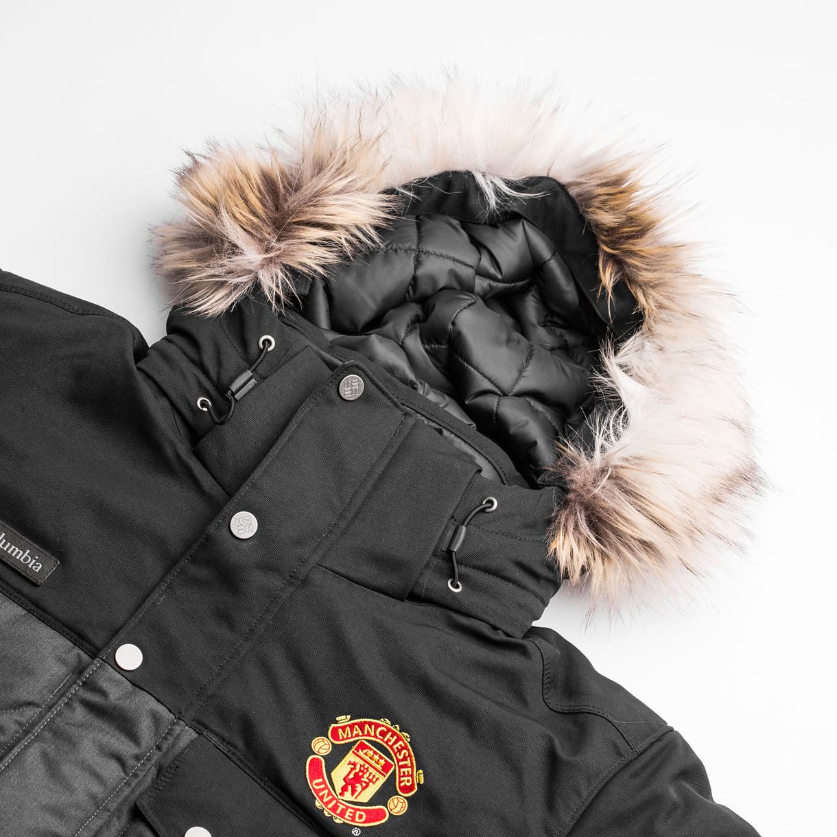 ... Click to enlarge image  manchester united x columbia jacket barlow pass 550 turbodown quilted black b.jpg  ... 4d6fbf784b