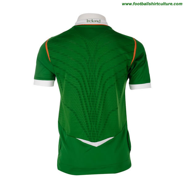 new Umbro 2008 Ireland home kit