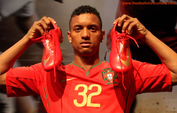 New portugal home euro 2008 kit by Nike