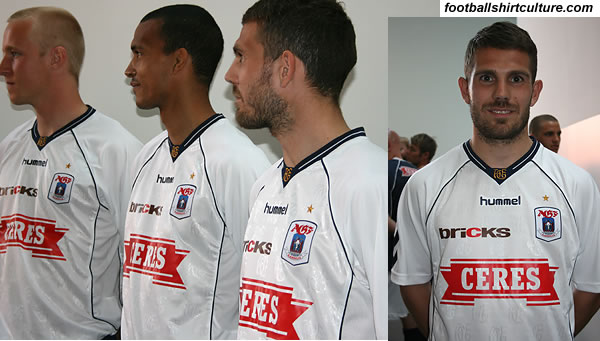 Aarhus unveiled their new home football kit for the 08/09 season made by Hummel.