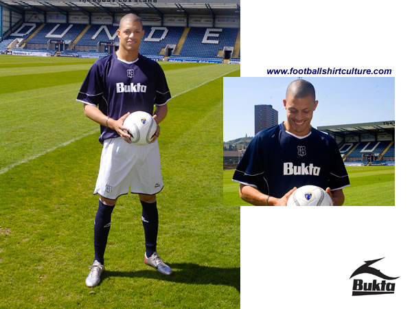 Dundee unveiled their new 08/09 home kit and announched a new shirt sponsorship deal with good old Bukta.