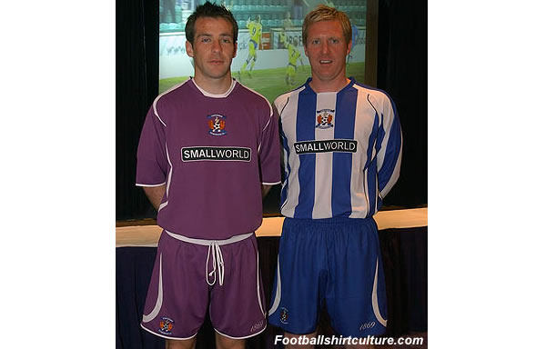 Kilmarnock fc unveiled their new home and away kits for the 2008/2009 season