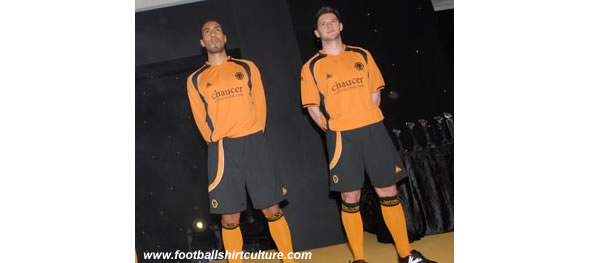 Wolves' new home strip for the 2008/09 season was exclusively revealed at last night's End of Season Awards Dinner. Players, Karl Henry, Darren Ward and Matt Jarvis, took to the stage in the new kit, which is manufactured by Le Coq Sportif and sponsored by chaucer consulting.com.