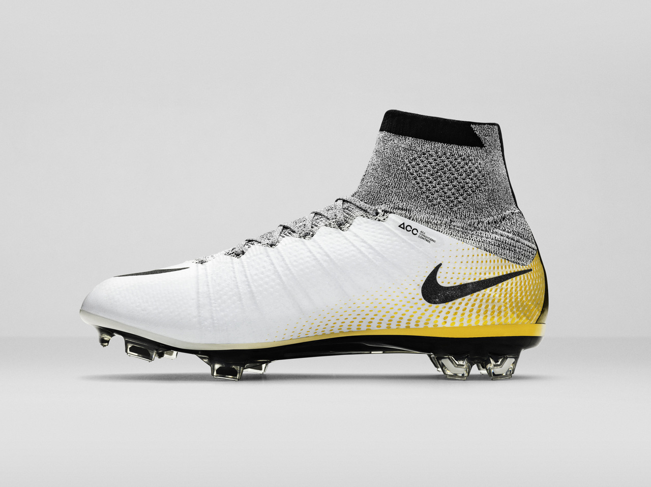 nike mercurial superfly cr7 324k gold football boots. Black Bedroom Furniture Sets. Home Design Ideas