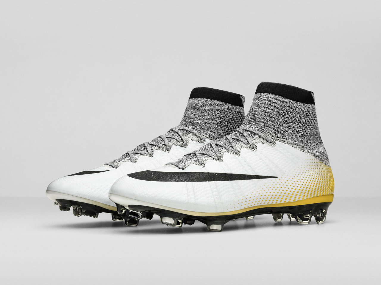 release date 2f2d3 2d4a0 Nike Mercurial Superfly CR7 324K Gold Football Boots ...