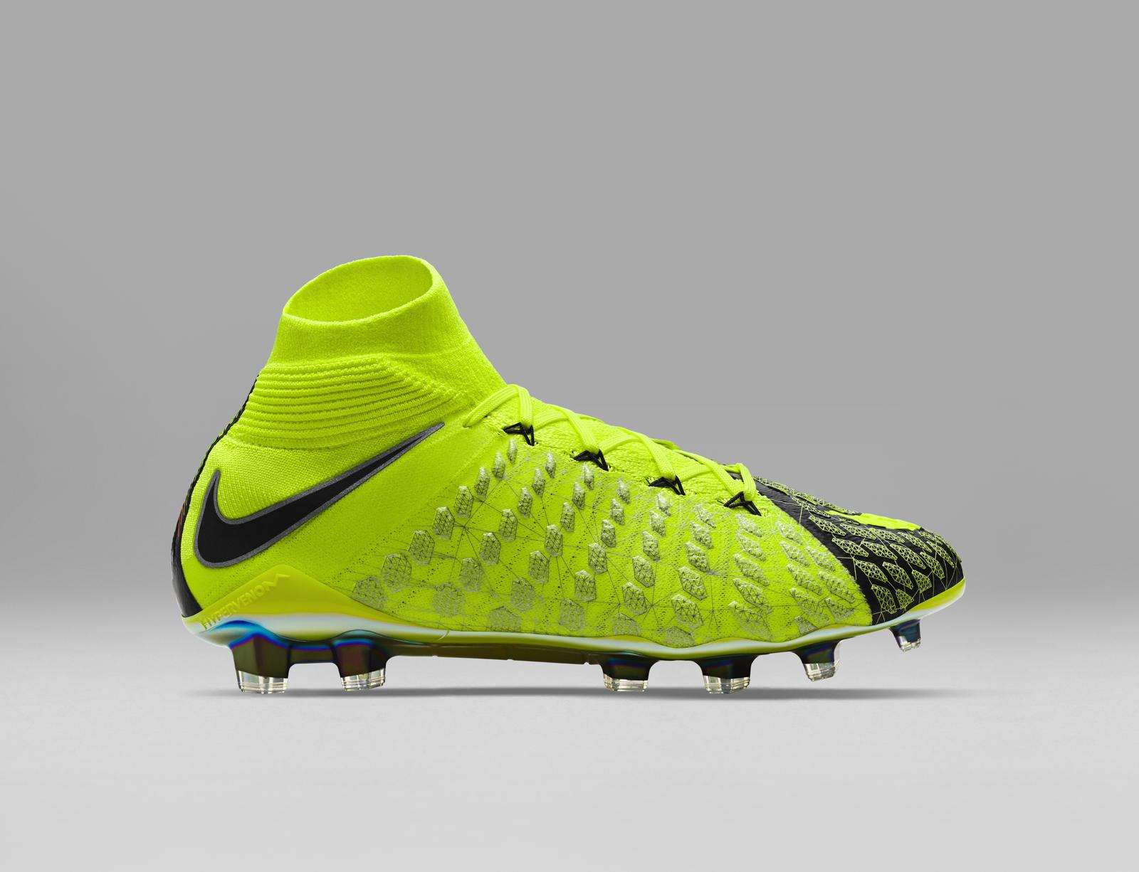 da6b13e391bc ... Click to enlarge image  nike_x_ea_sports_hypervenom_3_football_boots_c.jpg ...