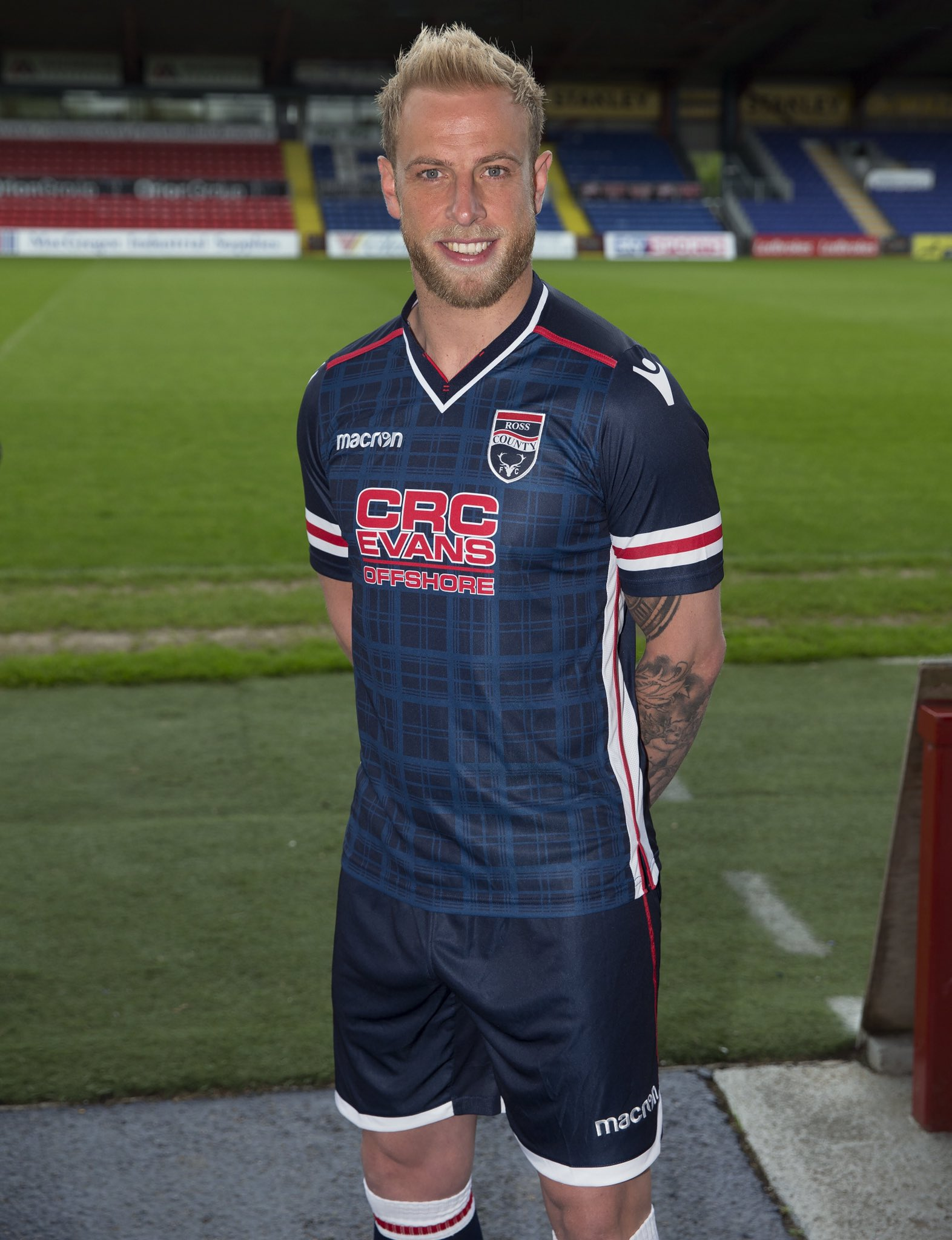 ross_county_17_18_macron_home_kit_a.jpg